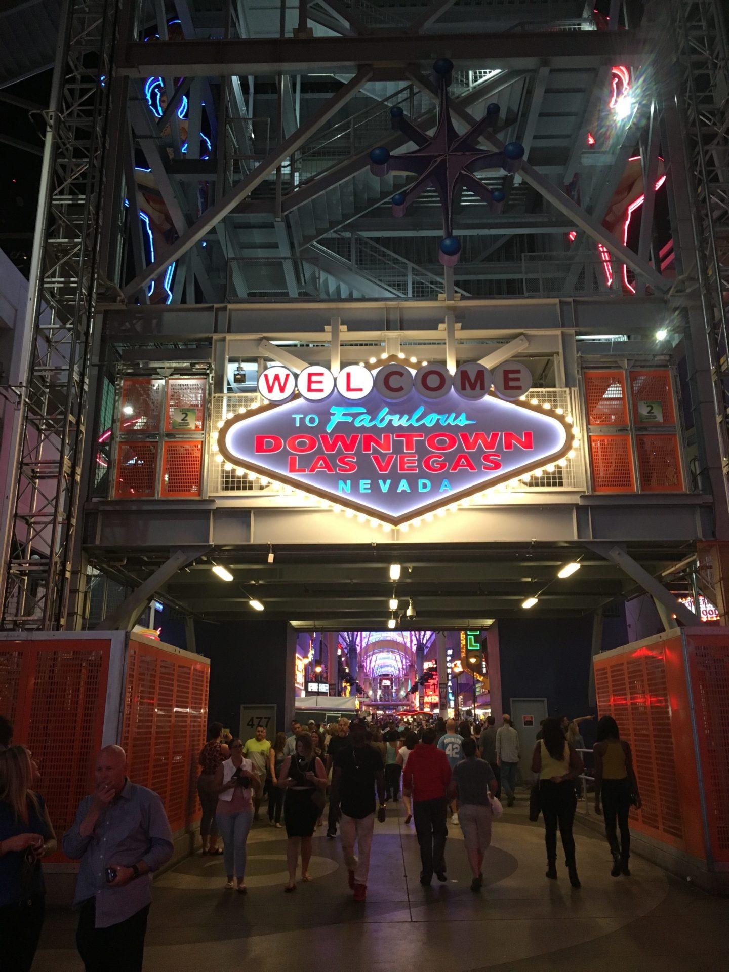 welcome to Fremont street sign